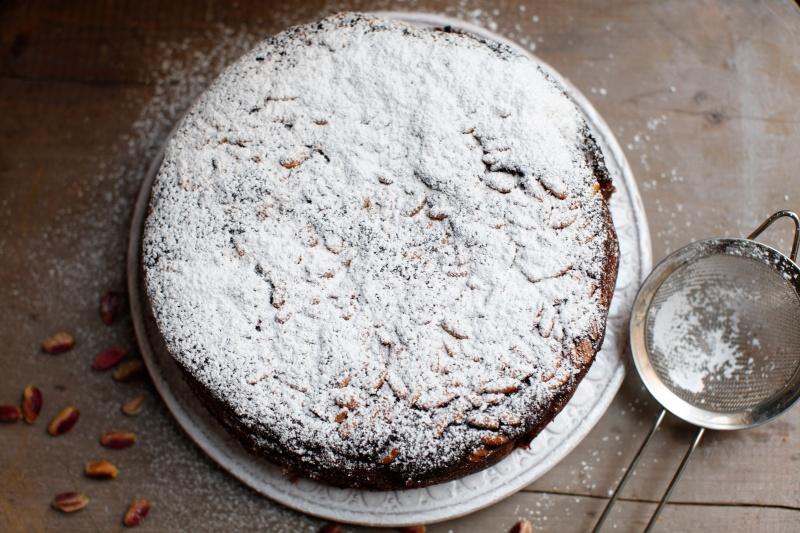 pici-e-castagne-pistachio-cake