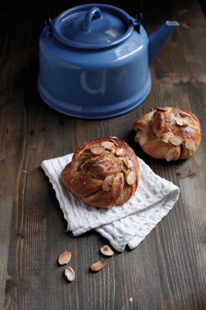 pici-e-castagne-almond-twists-4