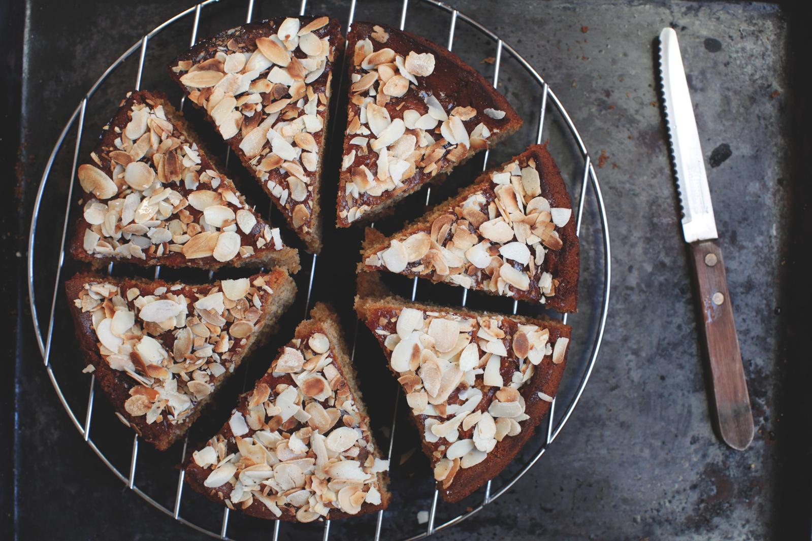 pici-e-castagne-torta-di-mandorle