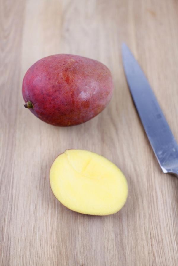 1707  600x pici e castagne torta al mango e cocco 2   Foto