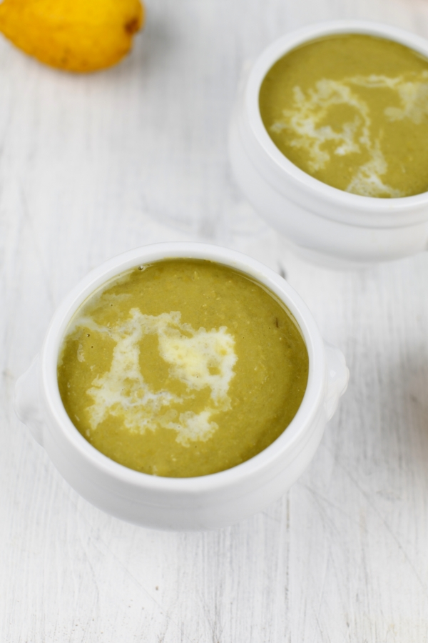 1720  600x pici e castagne zuppa di asparagi avocado e cedro   Foto