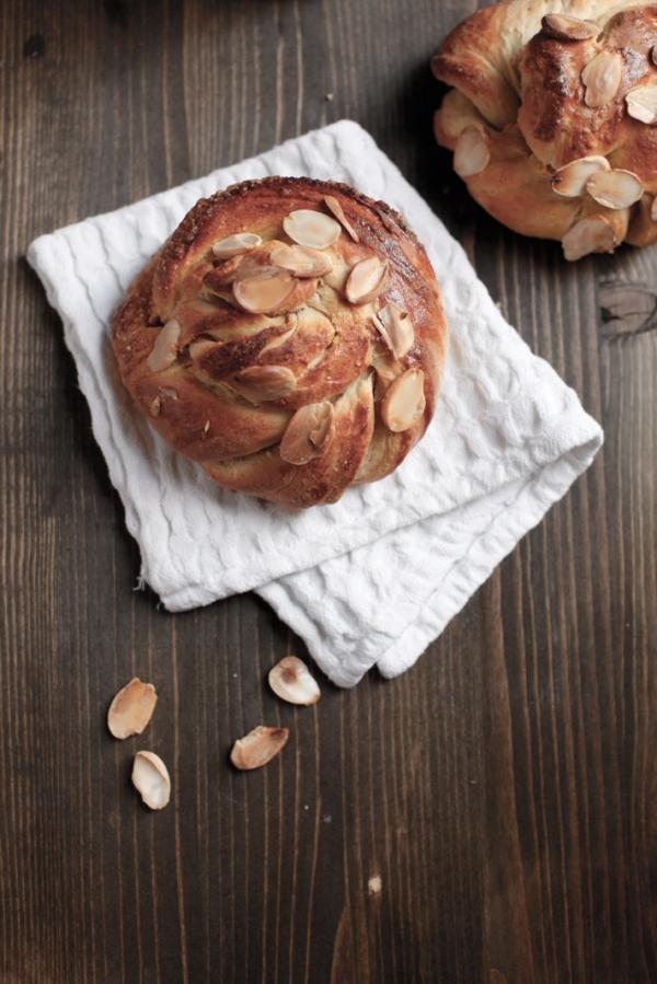 2109  600x pici e castagne almond twists 5   Foto