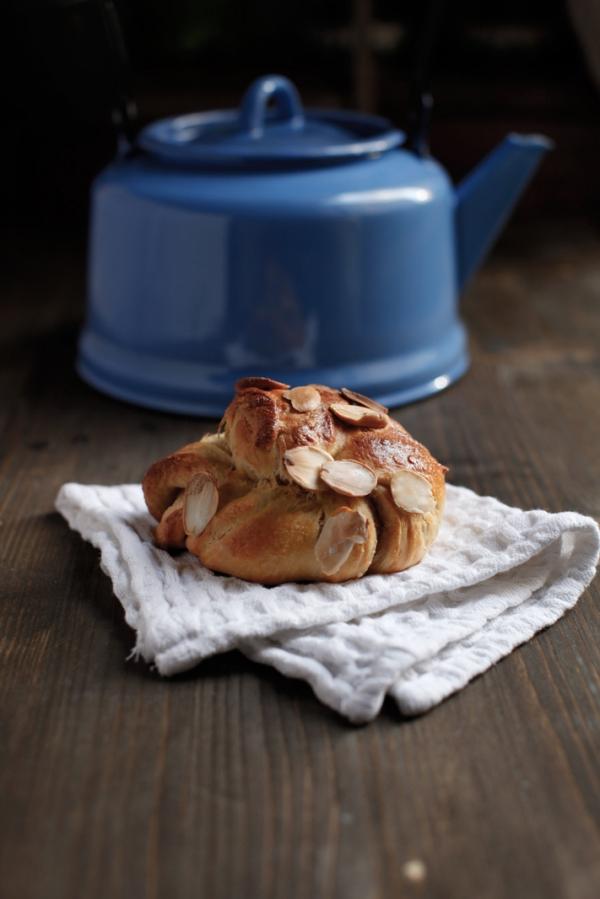 2111  600x pici e castagne almond twists 3   Foto