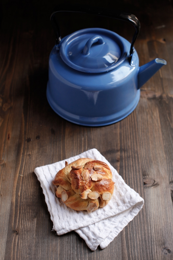 2112  600x pici e castagne almond twists 2   Foto