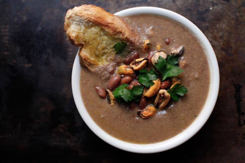 2275  800x pici e castagne zuppa di fagioli e cozze   Foto