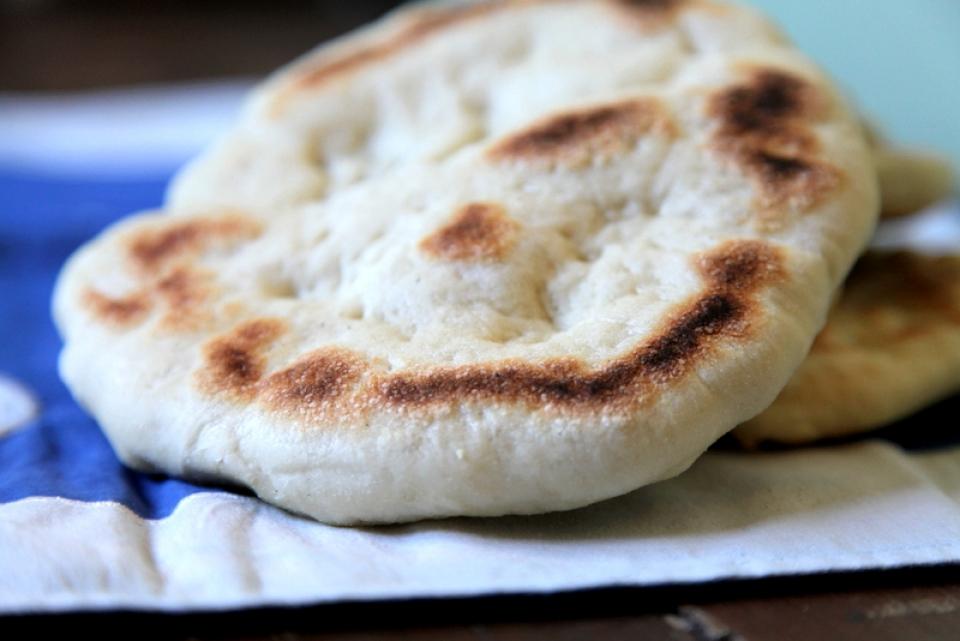 483  960x720 pita bread3   Foto