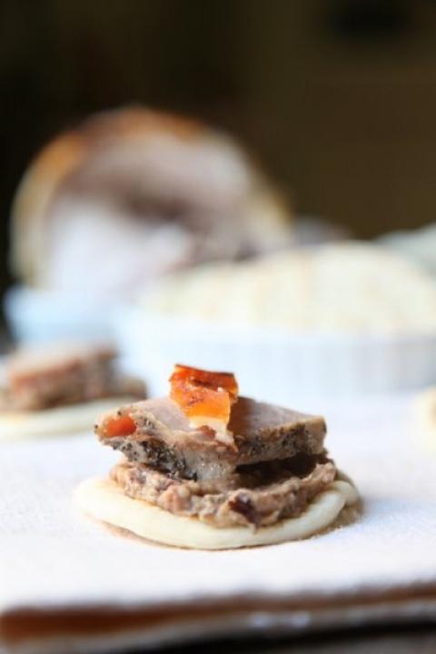 592  960x720 pici e castagne piadina con crema di melanzane e olive e porchetta 2   Foto