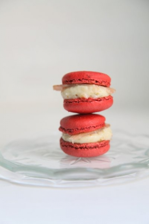 ... mousse forward figs and ham macaroons macaron al mirto con mousse di