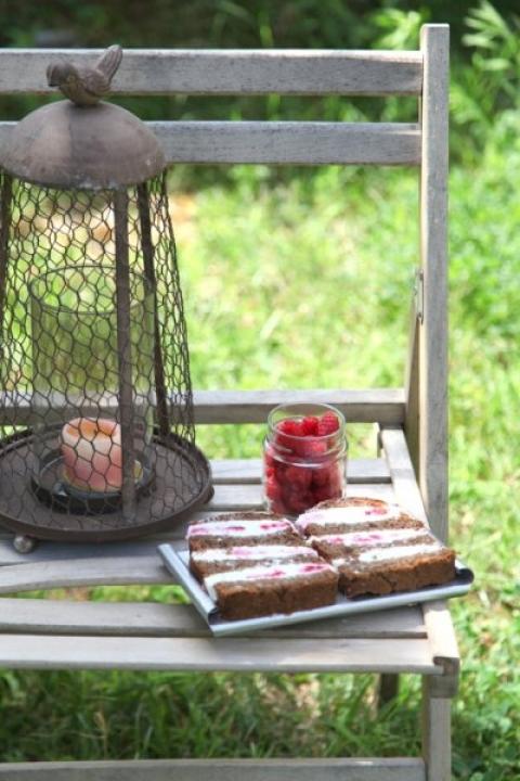 875  960x720 pici e castagne terrina di pane nero formaggio e lamponi 3   Foto