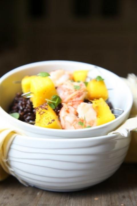 943  960x720 pici e castagne riso nero con spiedini di gamberi e mango 3   Foto