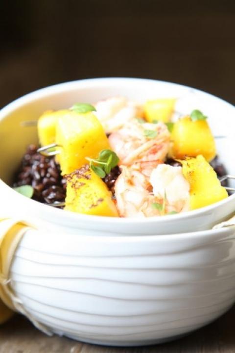 944  960x720 pici e castagne riso nero con spiedini di gamberi e mango 4   Foto