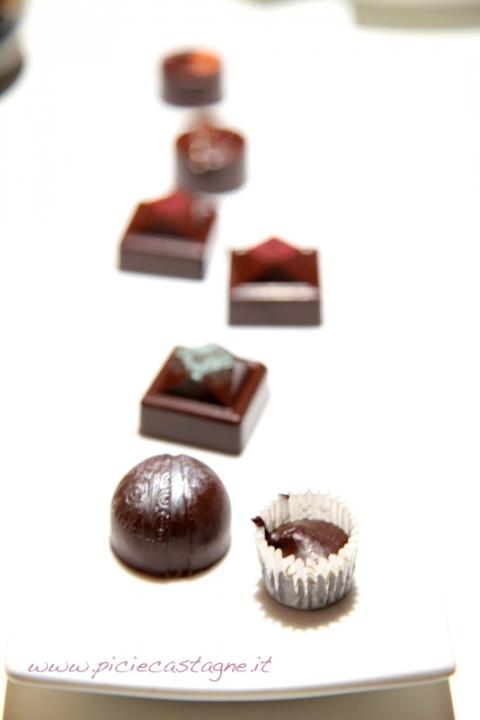 95  960x720 centini chocolate praline   Foto
