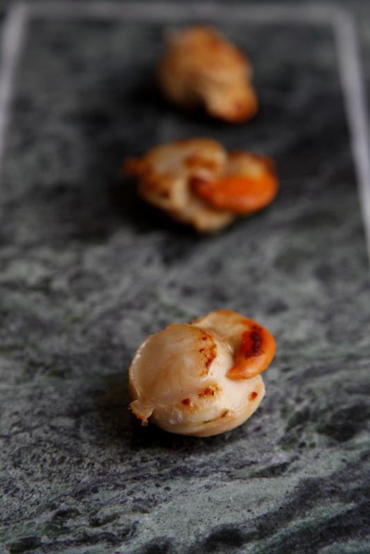 pici-e-castagne-capesante-con-crema-di-zucca-all-arancia-2