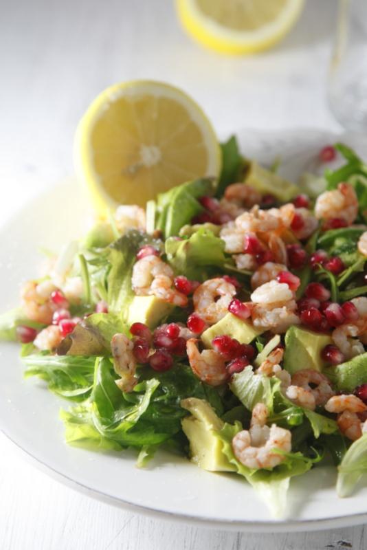 pici-e-castagne-insalata-di-gamberetti-avocado-e-melograno-2
