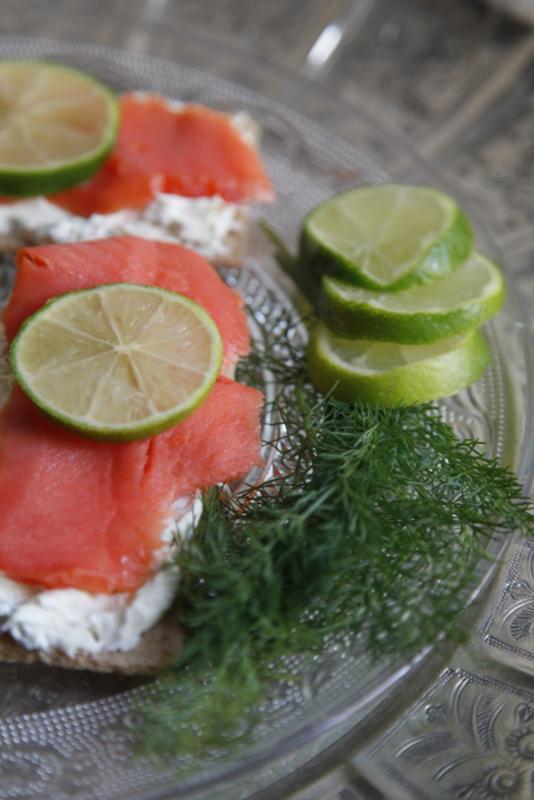 pici-e-castagne-tartine-di-salmone-2