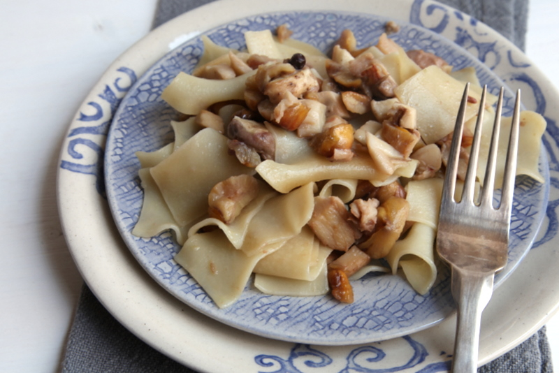 pici-e-castagne-pasta-con-castagne-e-funghi-2