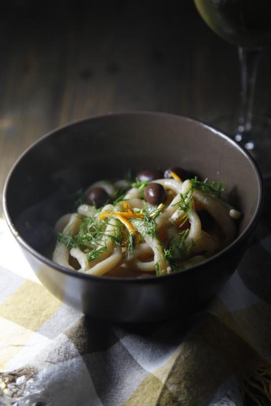 pici-e-castagne-pici-con-olive-finocchietto-e-arancia-2