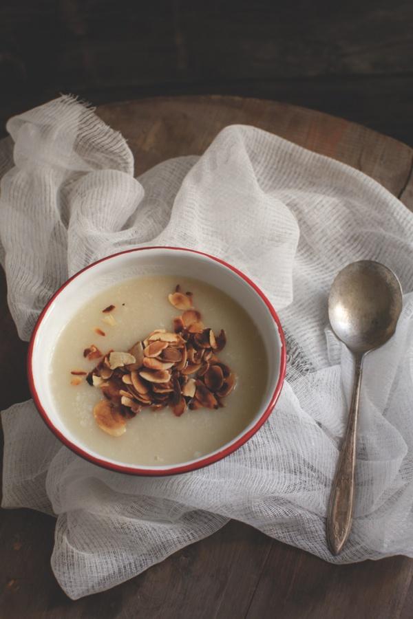 pici-e-castagne-zuppa-di-cavolfiore-e-mandorle-2