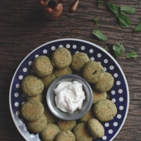 "<span class=""corsivo""> The Perfect Bite </span> : :  FALAFEL DI CECI E PISTACCHI"
