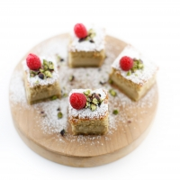"<span class=""corsivo""> The Perfect Bite </span> : :  MATCHA MAGIC CAKE"